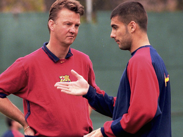 pep-guardiola-and-van-gaal-barcelona-captain-manager-new-manchester-united-coach
